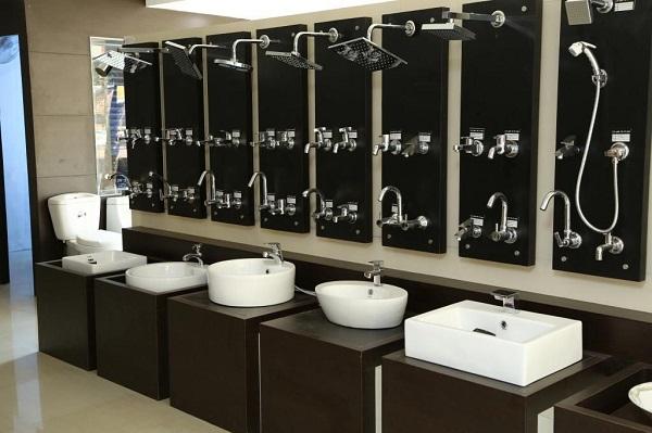 Cách trang trí cửa hàng thiết bị vệ sinh